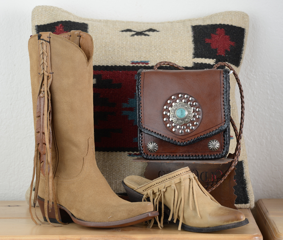 purse-boots